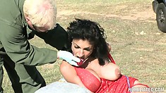 He gets a spicy dessert in the desert as he pounds his prick in her Latina twat