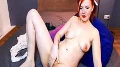 Redhead Babe Fingers Herself Live On Cam Online