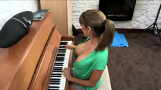 Talia seduces you while playing the piano