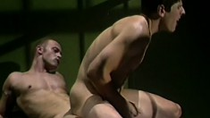 Hardened criminal gets his stiffy pleasured by his prison guard